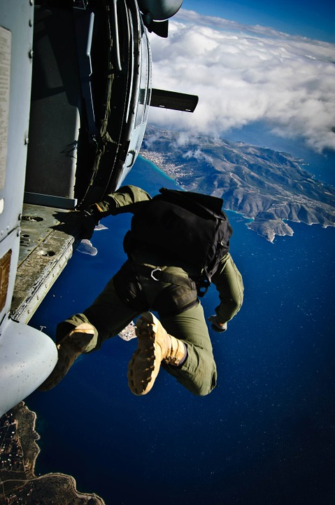 parachute-704442_960_720